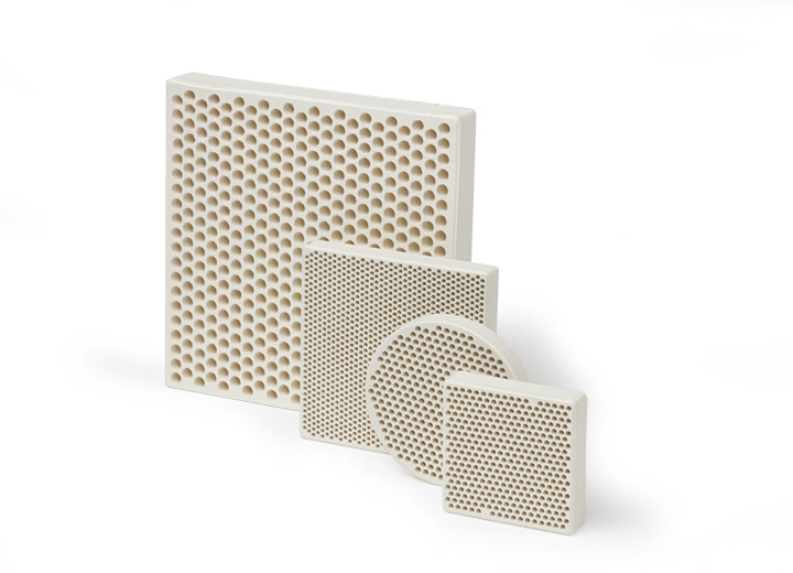 Family of foundry filters made with mullite for metal foundry filtration applications.