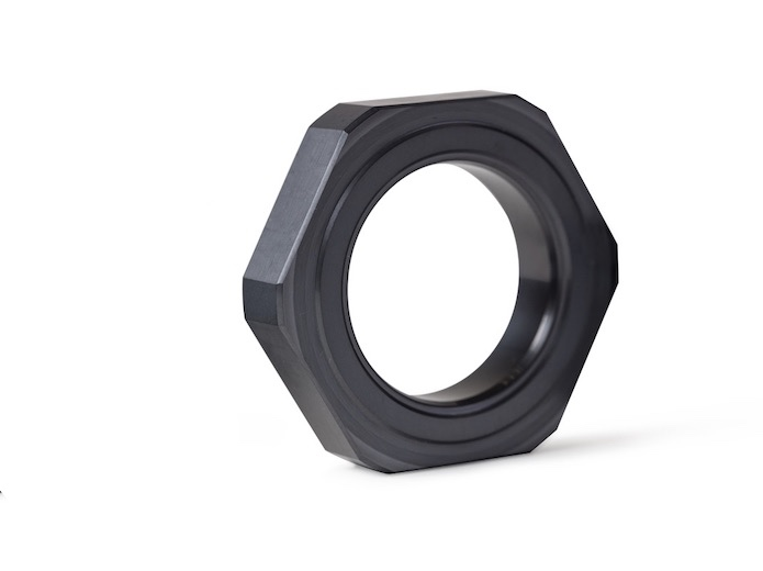Drilling tool seal made with technical ceramics for oil extraction.